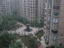 Courtyard-at-victoria-apartments-in-chengdu