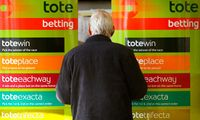 A-Tote-betting-shop-001