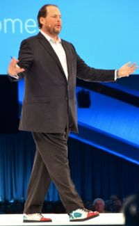Benioff-Onstage-with-Cloud-Shoes-Dreamforce-131
